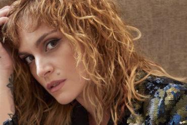 Ελεωνόρα Ζουγανέλη, ελληνίδα τραγουδίστρια. Γενεθλια 1 Φεβρουαρίου 1983.