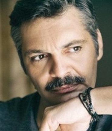 Άλκης Κούρκουλος, έλληνας ηθοποιός. Γεν. 15 Ιανουαρίου 1969